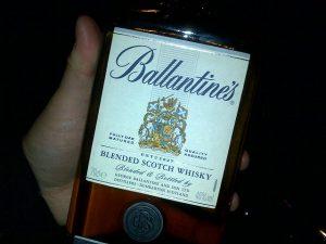 Népi vigadalom most és régen whiskyvel